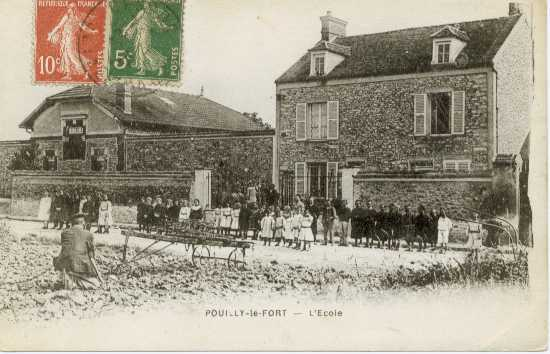 Ecole Pouilly vers 1900